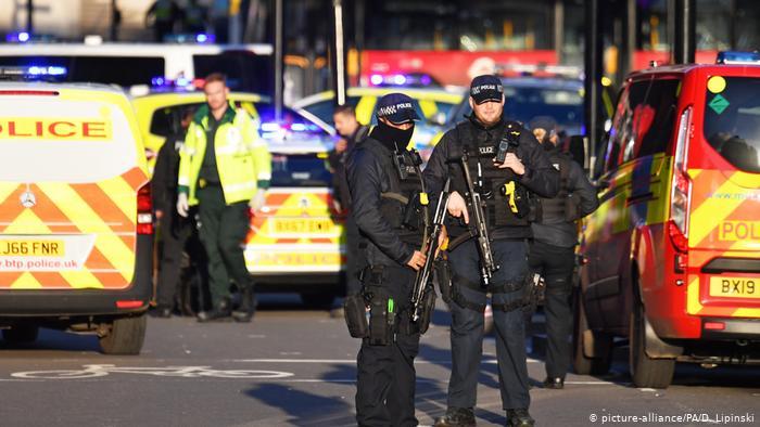 Ataques en Londres y en La Haya deja varios heridos con arma blanca