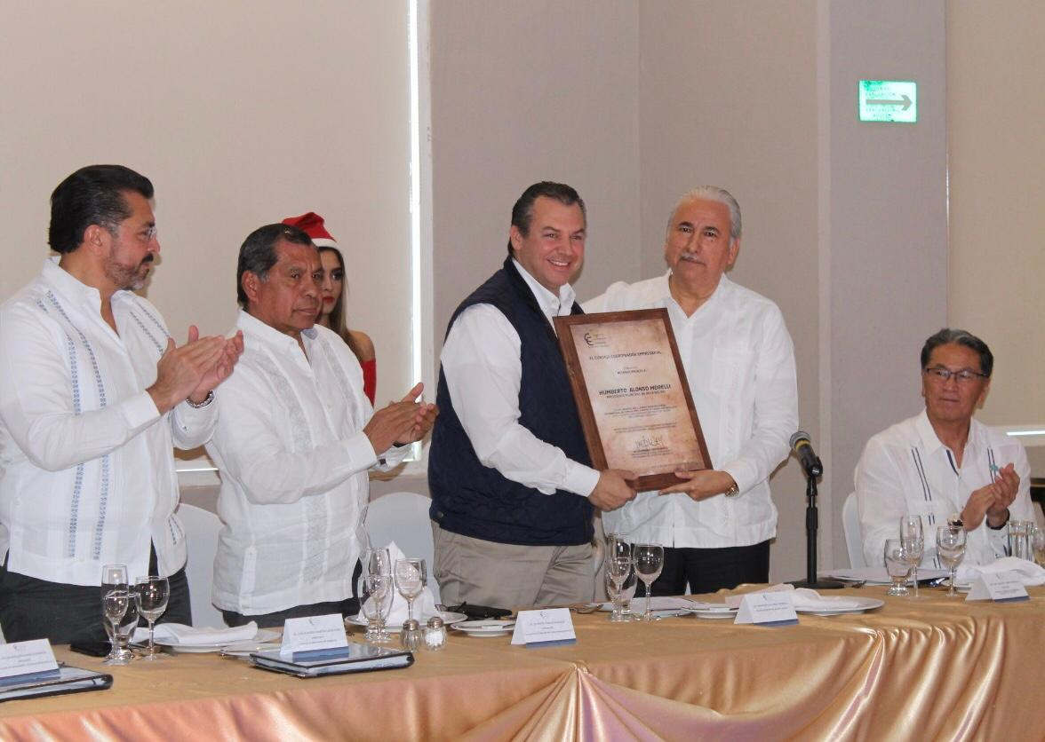 Reconoce sector empresarial al alcalde Humberto Alonso Morelli por llevar a Boca del Río al primer mundo
