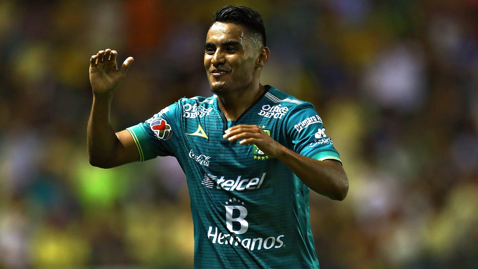 ¡Volvió el Gallito! José Juan Vázquez deja Santos para regresar a Chivas