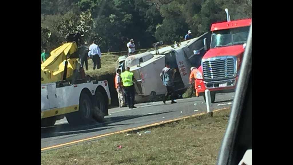 Militares de la Guardia Nacional mueren en choque carretero