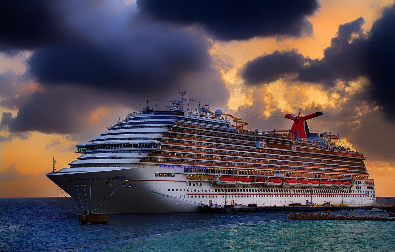 Los puertos españoles representan el turismo de cruceros en Fitur