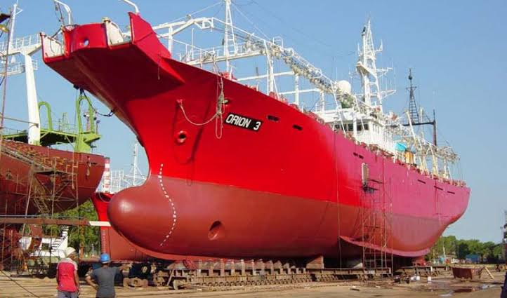 Sin reactivarse la industria naval con AMLO.