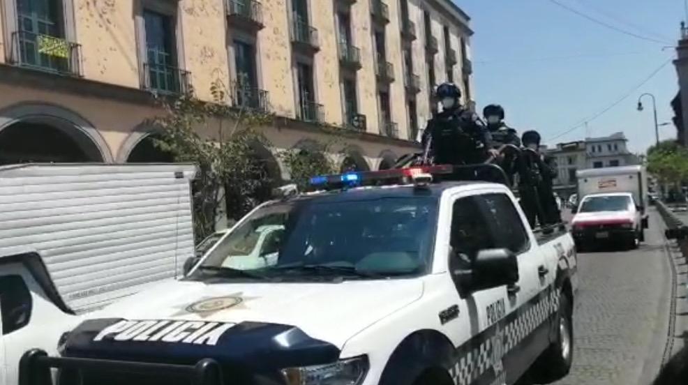 A través de patrullas de la SSP piden a ciudadanos no salir de casa, en Xalapa