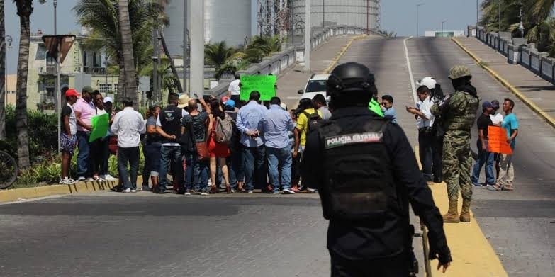 Palaperos de Villa del Mar exigen apoyos con bloqueos.