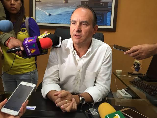 Informa Ramón Gómez Barquin que su hijo tiene Coronavirus, llegó de España.
