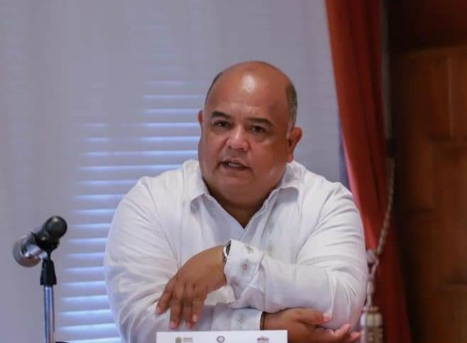 No habrá uso de la fuerza pública en el puerto; hay quienes son pequeños en todo y no entienden: Eric Cisneros