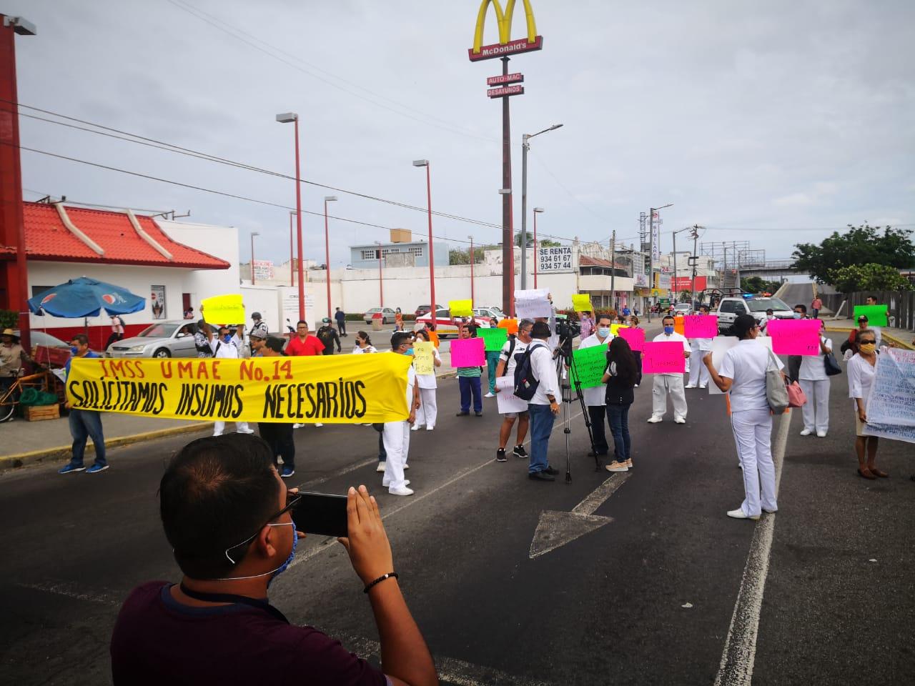 Médicos del IMSS de Cuauhtémoc se manifestaron para exigir insumos.