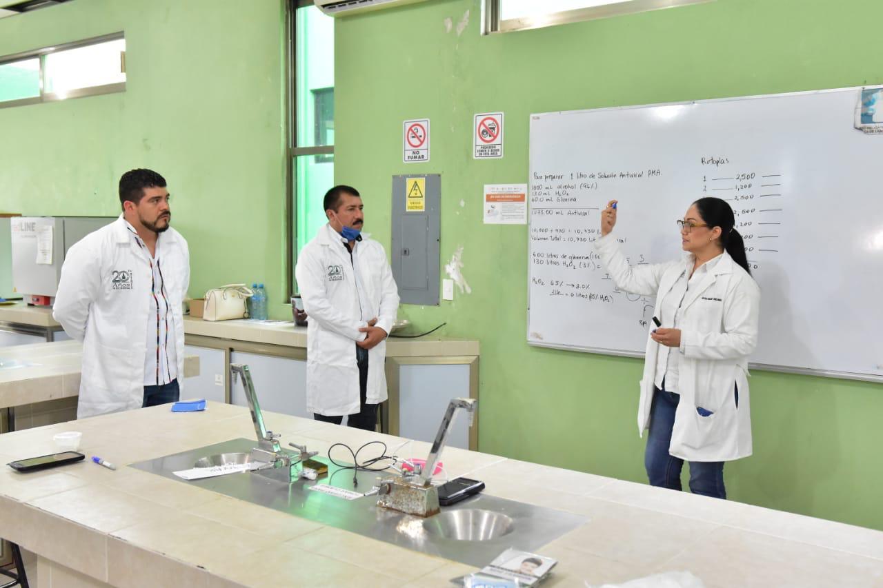 Tecnológico de Misantla produce 11 mil litros de gel antibacterial para distribuir en dependencias.