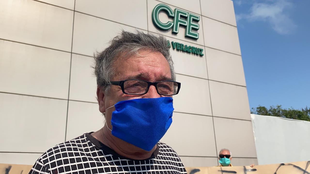 Usuarios de CFE exigen a la empresa frenar los apagones constantes.