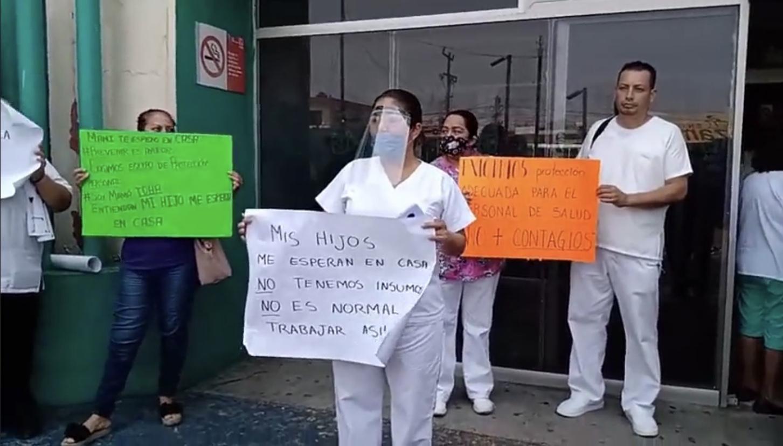 Personal del IMSS 71 se manifestaron para exigir insumos ante el Covid-19
