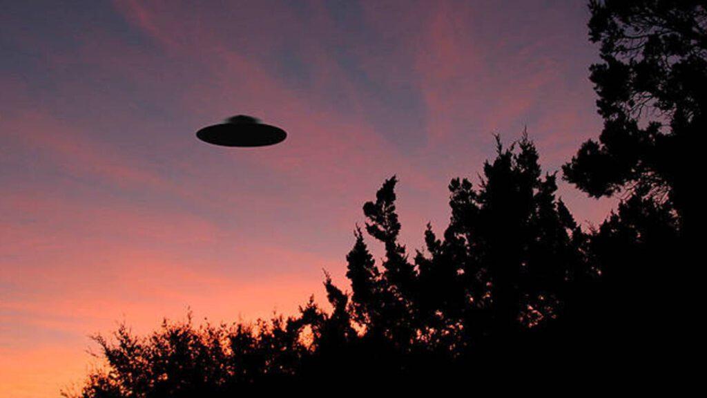 Revela la CIA documentos clasificados sobre objetos voladores no identificados