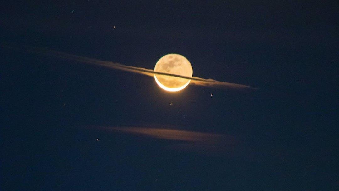 Por una noche la Luna adquirió la apariencia de Saturno