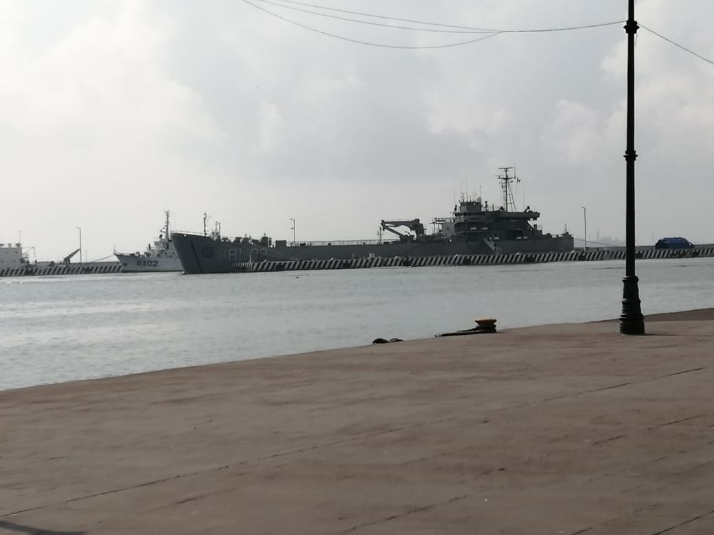 Llega barco hospital a Veracruz dará consultas médicas.
