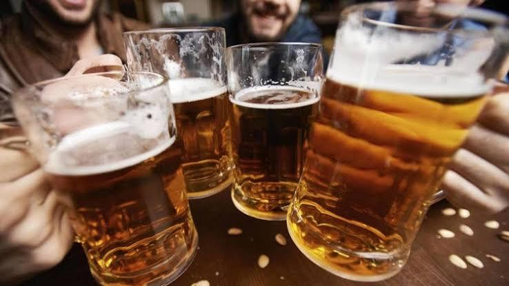 El consumo excesivo de alcohol puede provocar cirrosis