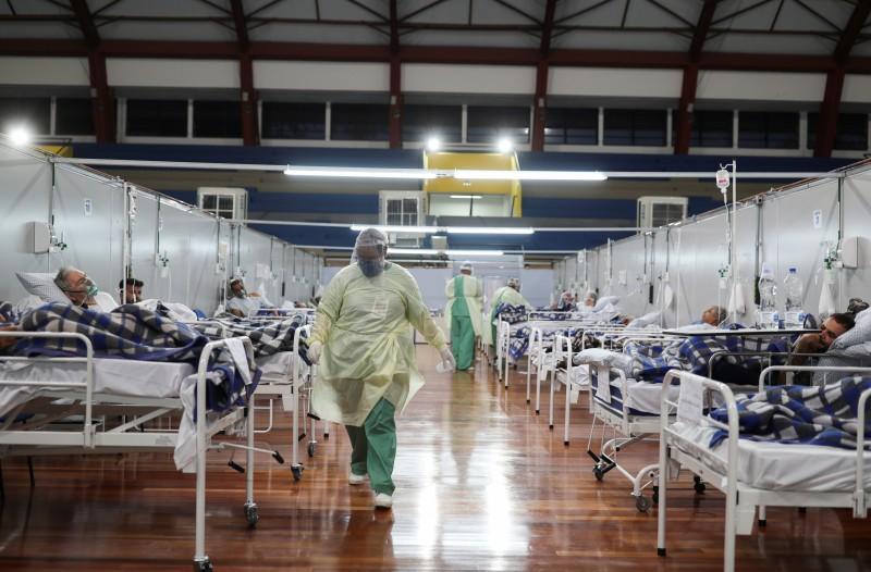 ¿Cuánto cuesta enfermarse de COVID-19 y atenderse en un hospital privado?