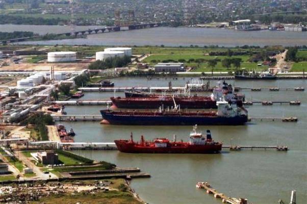 Más del 50% de avance en ampliación del puerto de Coatzacoalcos: Gobernador