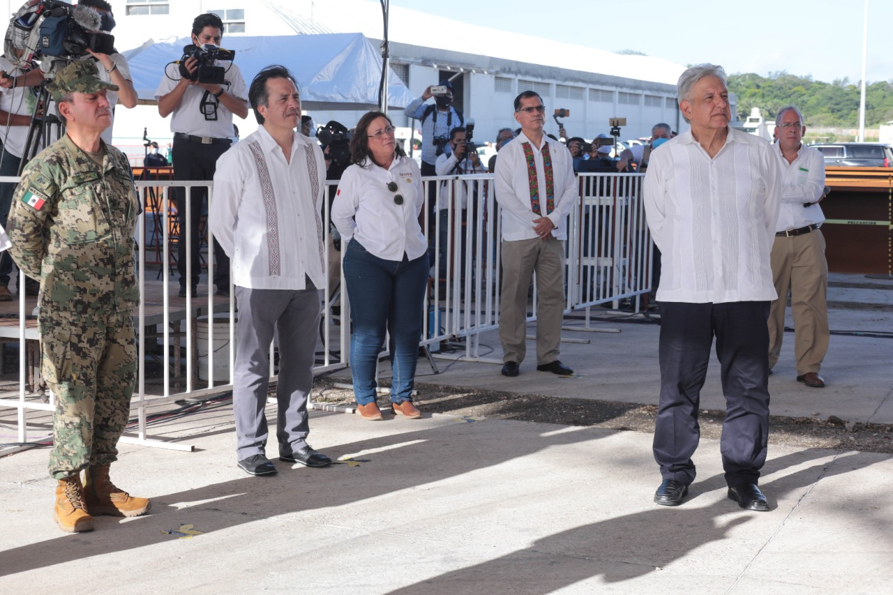 Supervisa López Obrador ampliación del puerto de Coatzacoalcos.