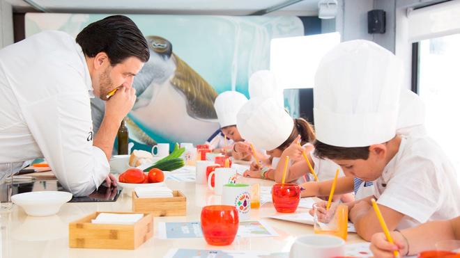 Lanzan libro de gastronomía para niños el chef Xanty y la profesora Cintia Jiménez