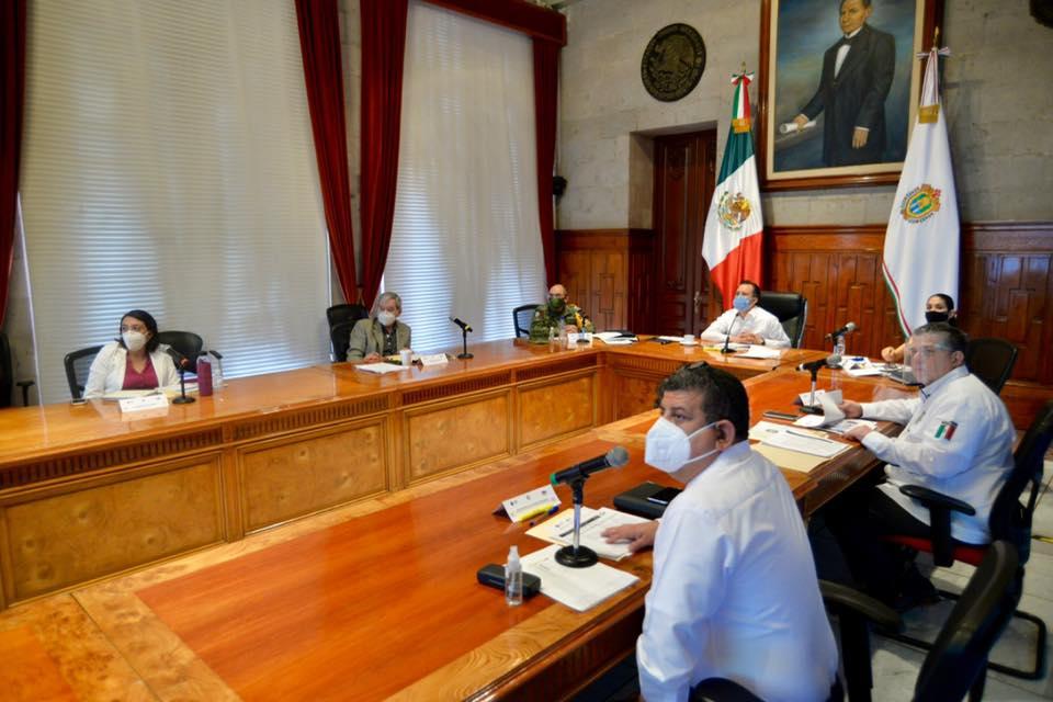 Elementos de Fuerza Civil grabados en video robando en una papelería, han sido suspendidos: Cuitláhuac García
