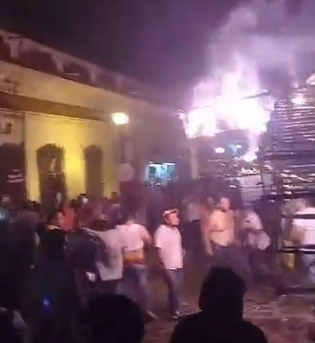 No les importa el Covid-19 a habitantes de Xico, quemaron el torito en las calles