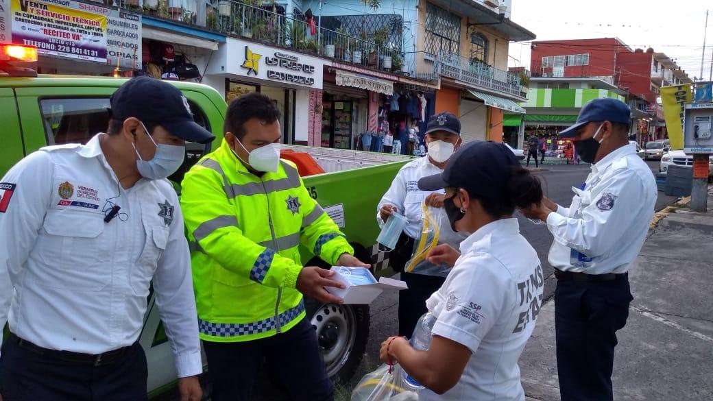 Se solidariza Eric Cisneros con trabajadores de Tránsito del Estado; les dio equipo de protección