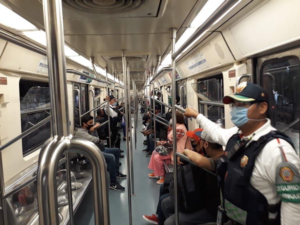 El Metro de CDMX premiará a usuarios con los cubrebocas más originales con el #viajaprotegidochallenge