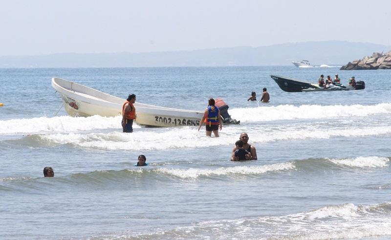 Playas de Boca del Río recibe a sus primeros visitantes