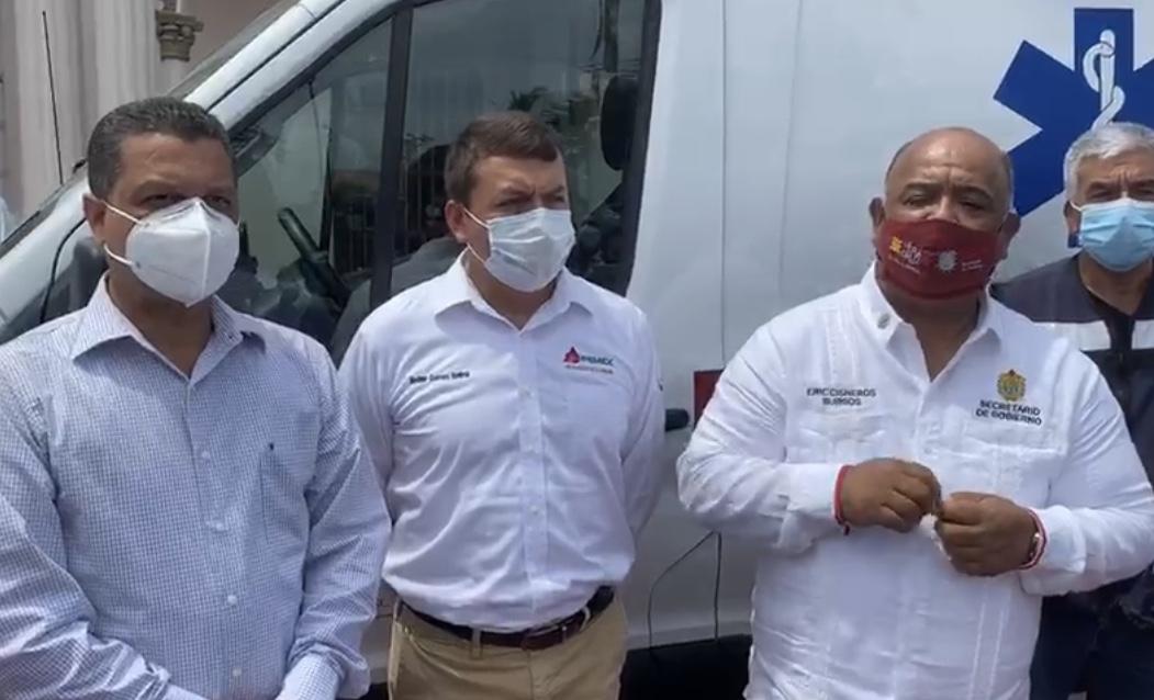 A nombre del gobernador de Veracruz, entregó Eric Cisneros ambulancia al ayuntamiento de Cosamaloapan