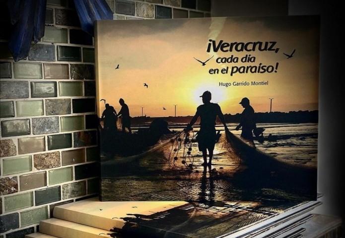 """Embajador inaugura exposición """"Todo Veracruz es Bello"""" de Hugo Garrido"""