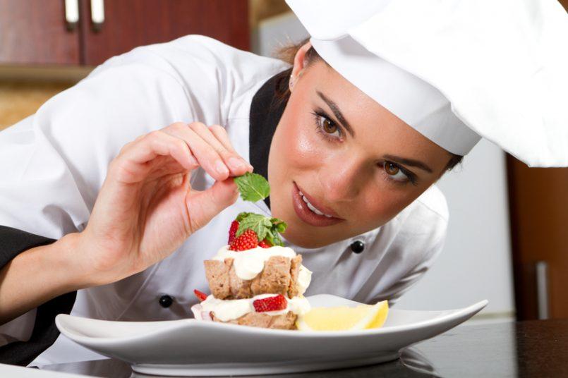 Jóvenes podrán obtener beca para estudiar gastronomía