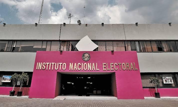 INE lanza convocatoria para candidatos a diputados independientes.