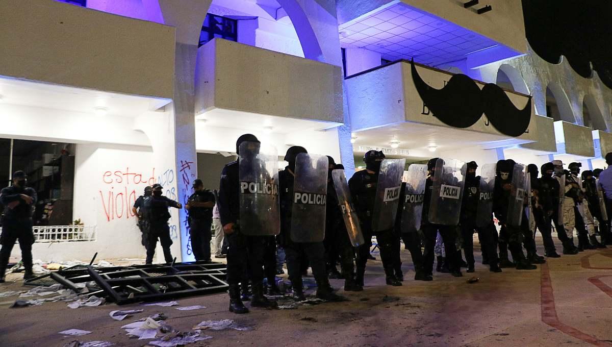 Policías de Cancún ejercieron violencia sexual contra mujeres detenidas durante protesta