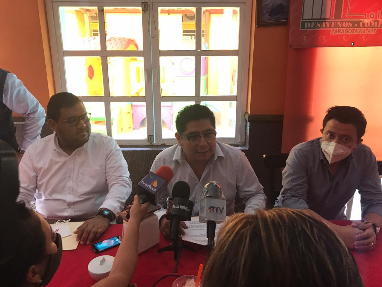 En el PAN están los auténticos represores del PRD: Esteban Ramírez Zepeta