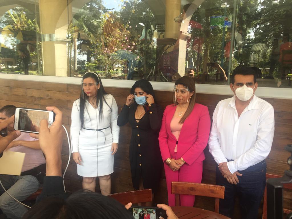 Niegan alcaldes perredistas amenazas del gobierno de Veracruz; se deslindan de su dirigente estatal