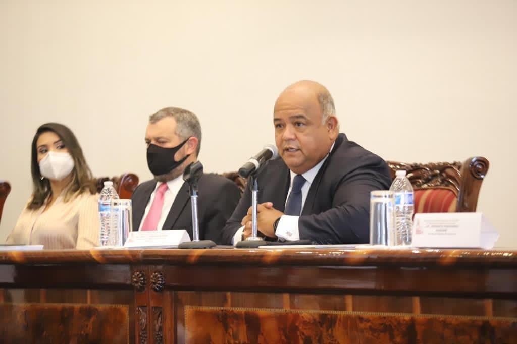 Inauguró Eric Cisneros la Asamblea General de Notarios