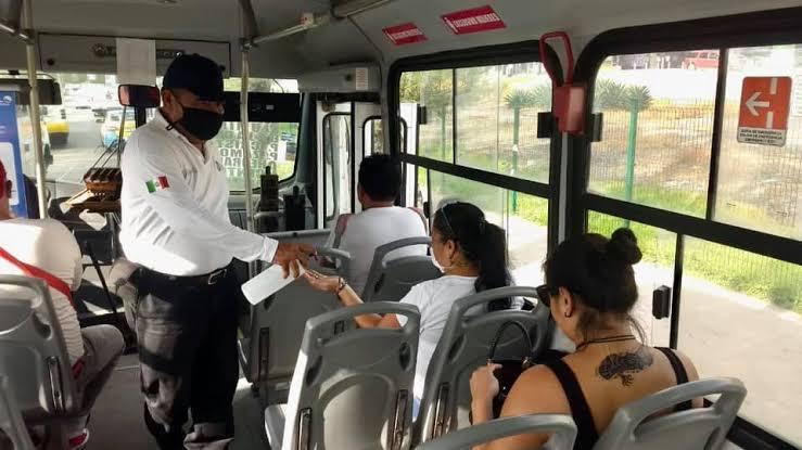 Con operativos de tránsito buscan evitar aglomeraciones en transporte público.