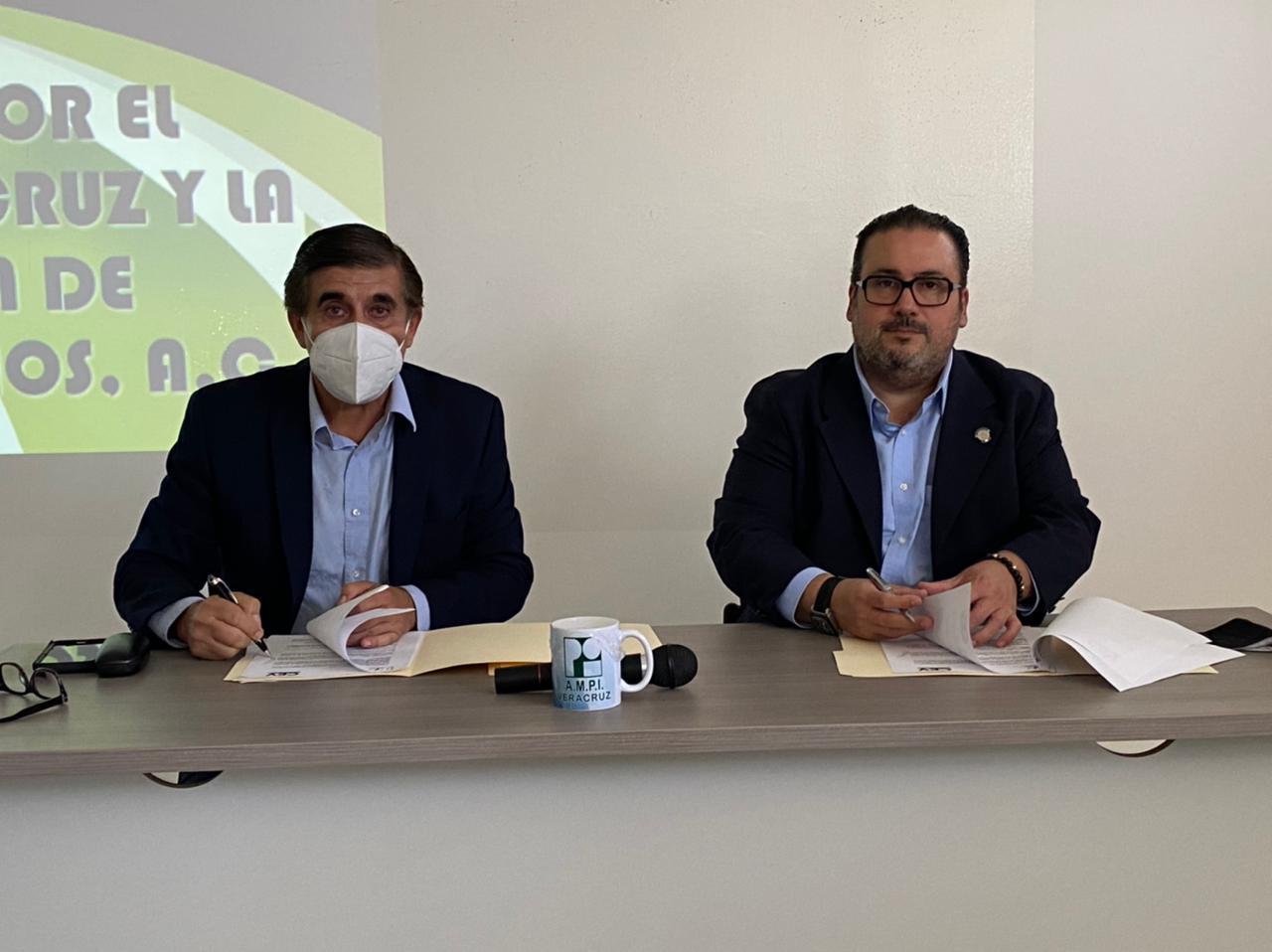 Firman convenio AMPI nacional y el Centro de Estudios Veracruz para ofertar Maestría en Bienes Raíces