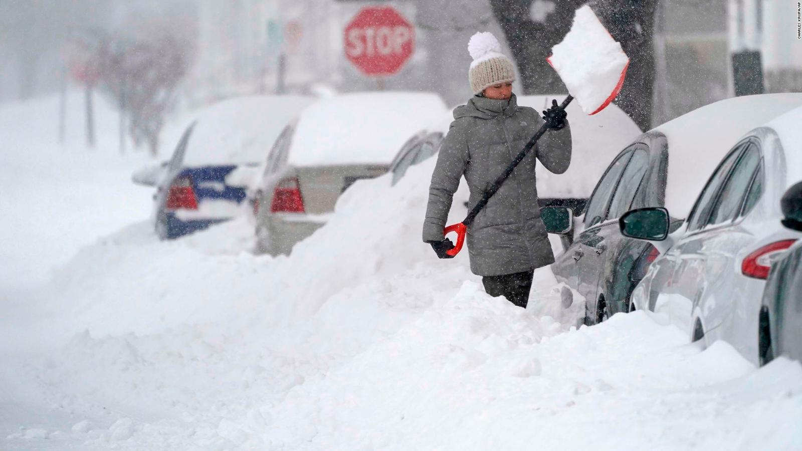 Azotan tormentas invernales a EU con nieve, hielo y frío extremo