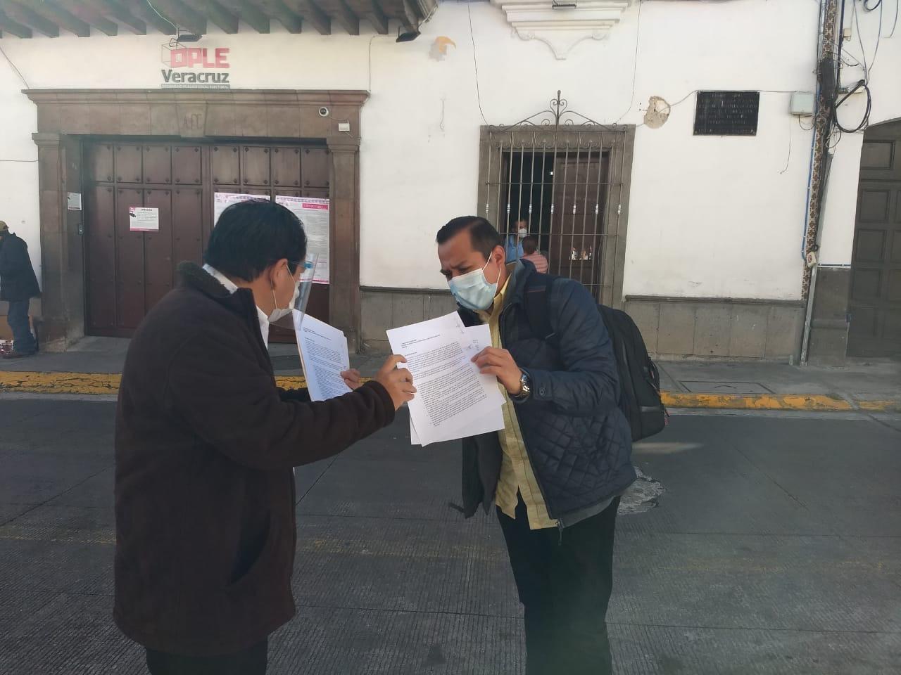 """Por ineficiente """"INE Apoyo Ciudadano"""", aspirantes piden extensión de plazo para recabar firmas"""