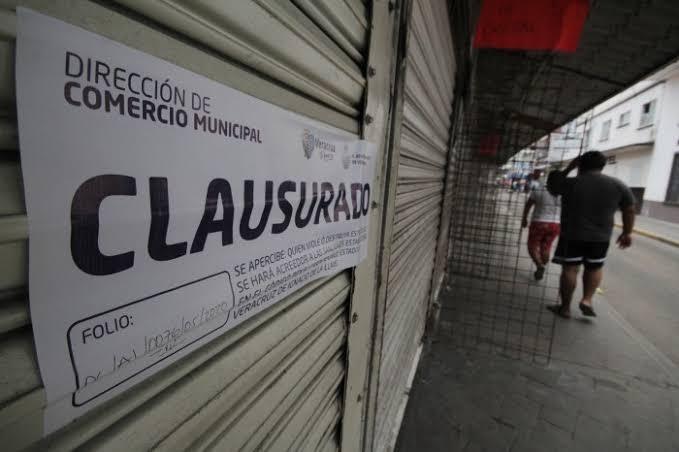 Fueron clausurados 2 comercios en Veracruz, por no respetar el semáforo Covid.