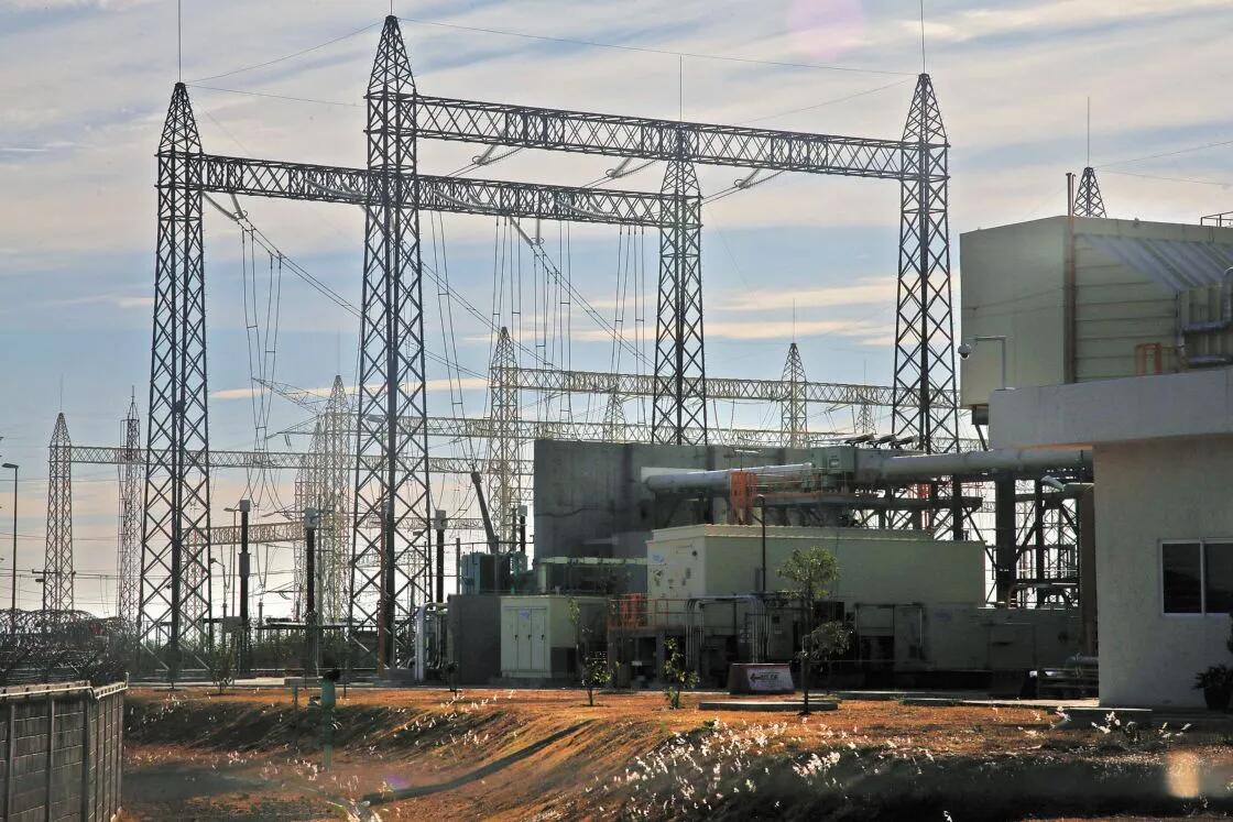 Iniciativa de reforma eléctrica pone en dilema financiero a la CFE