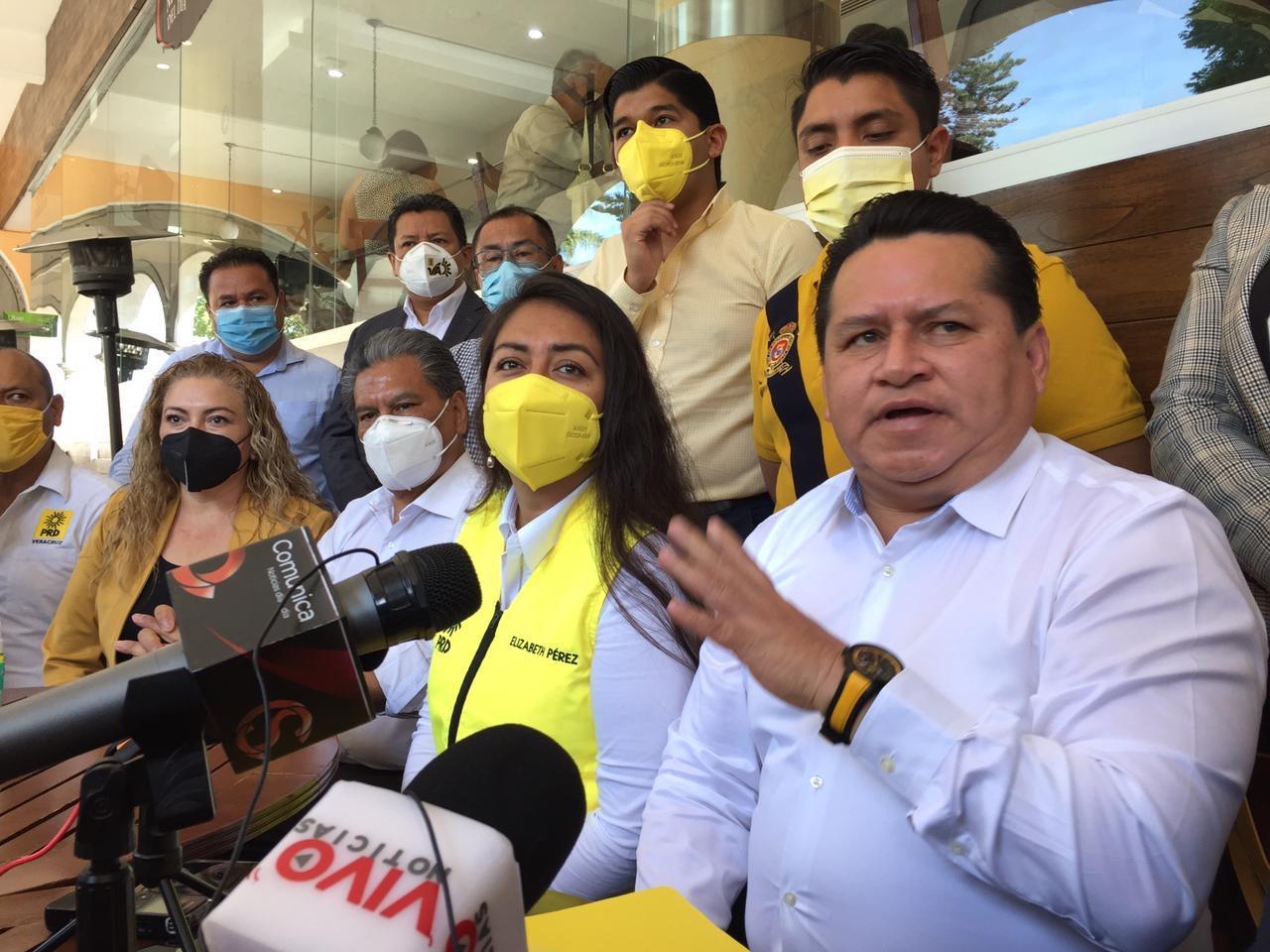 Ante indefinición de alianza para Xalapa, PRD propone encuesta para sacar a candidato de unidad