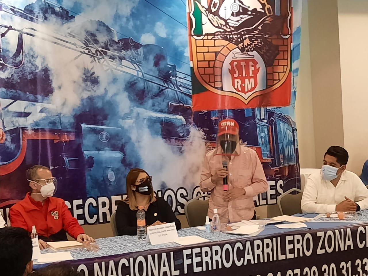 Refrendan ferrocarrilero de la zona centro-norte unidad y fortaleza del STFRM con Víctor Flores.