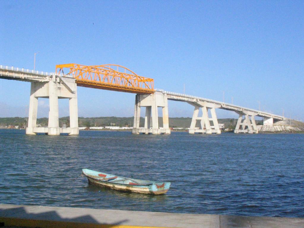 Alvarado y su puente