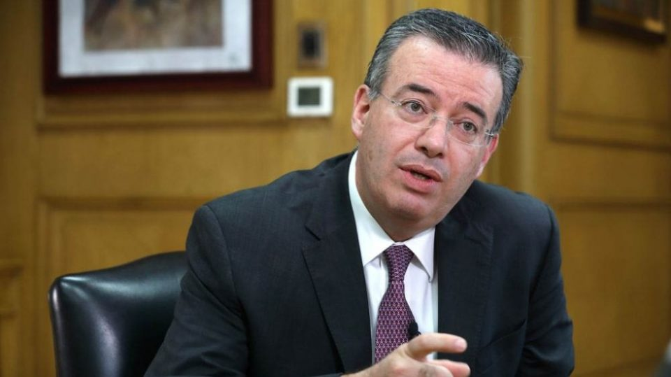 Nombran a Alejandro Díaz de León gobernador del año