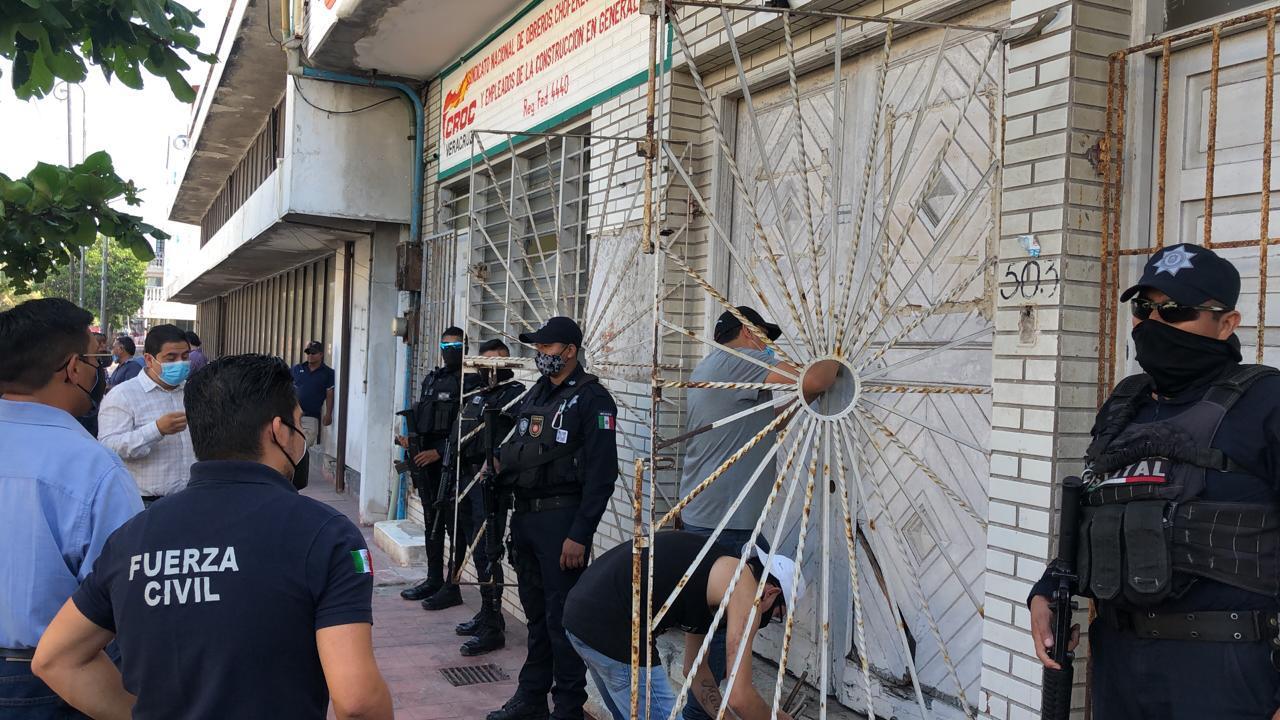 Desaloja CTM a la CROC de edificio en el centro de Veracruz