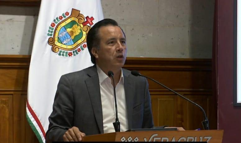Que se dé curso legal a procesos contra Karime y Yunes Linares: Cuitláhuac