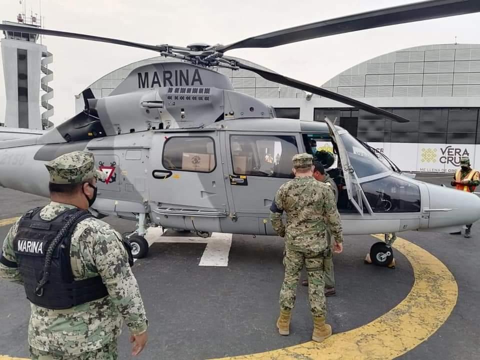 Trasladan vía aérea vacunas de Tuxpan a Xalapa para docentes