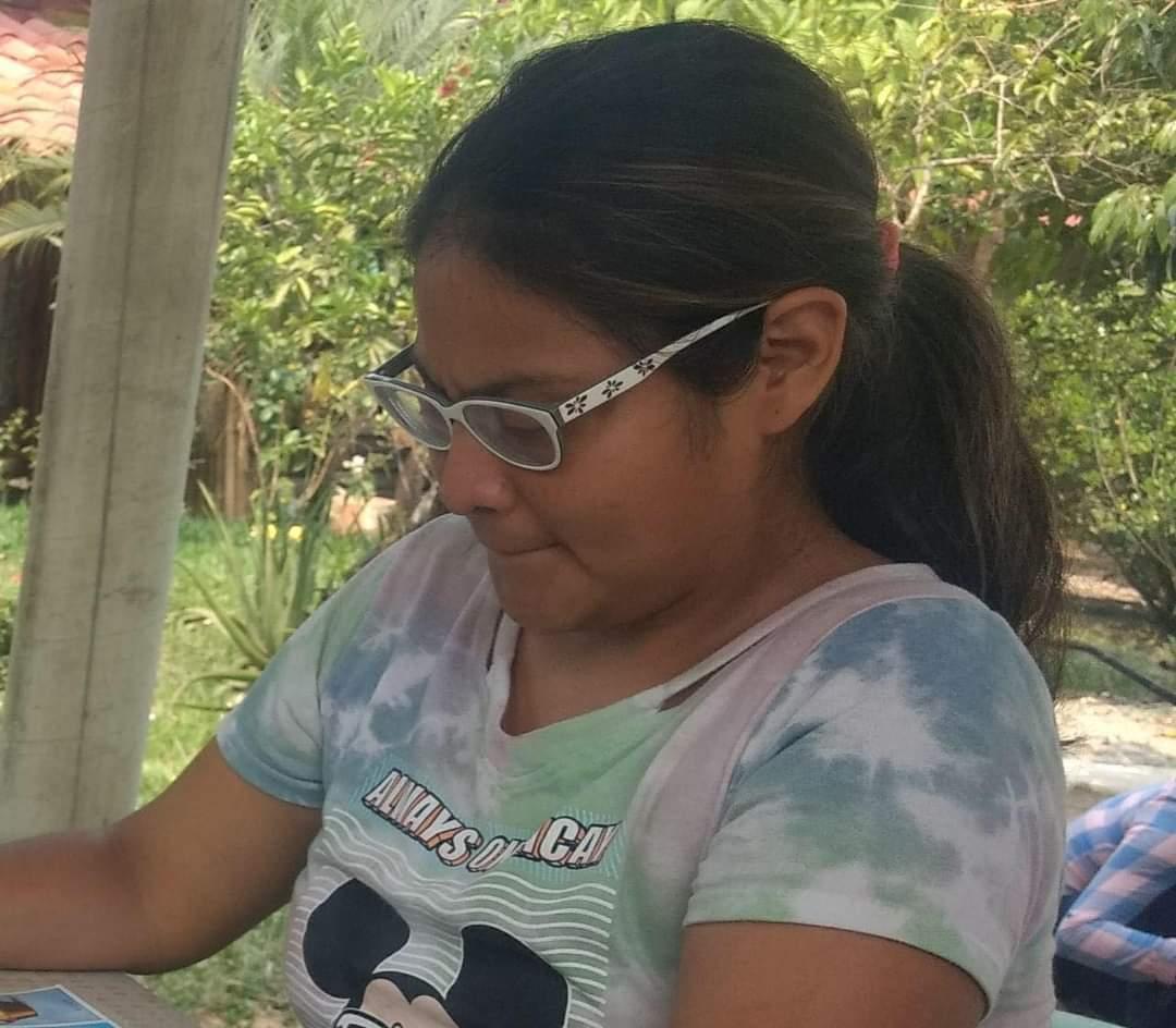 Localizan con vida a hija de periodista de Martínez