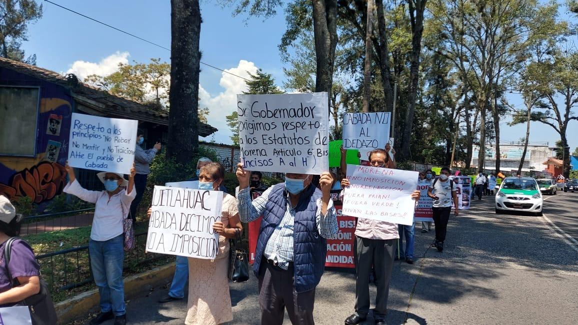 Sector de Morena no quiere imposiciones, marchan por las calles de Xalapa